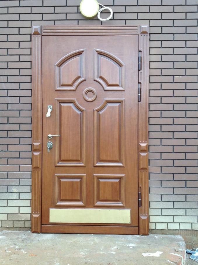 установка второй металлической двери в парадной
